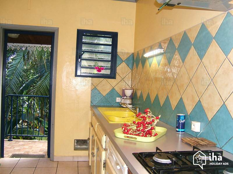 Perfect Kitchen Design Yellow Walls 73 In Inspiration Interior Home Design Ideas with Kitchen Design Yellow Walls